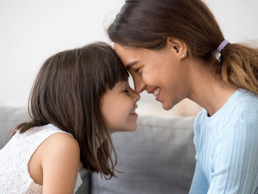 sesto senso sorelle sguardo dintesa